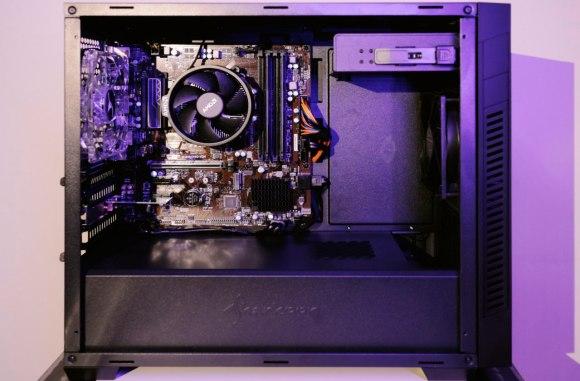 PC Desktop Budget con Sharkoon S1000 W e CPU Ryzen 3 2200G