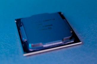 Attitudine di AMD ed Intel nei Confronti dei Loro Clienti 2/2 1
