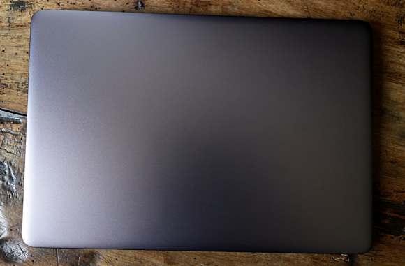 Notebook Mid Range Intel Core  i5-8250U Allumino MacOS e Windows 10