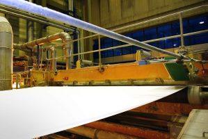 Monitoramento de máquinas para papel