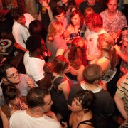 Getting Bar And Club Gigs for DJs