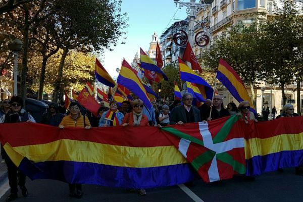Movilizaciones republicanas en Donostia y Bilbao reclaman un Proceso Constituyente hacía la III República
