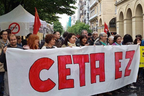 Fotos y vídeo de las movilizaciones contra el CETA en Euskadi y Navarra