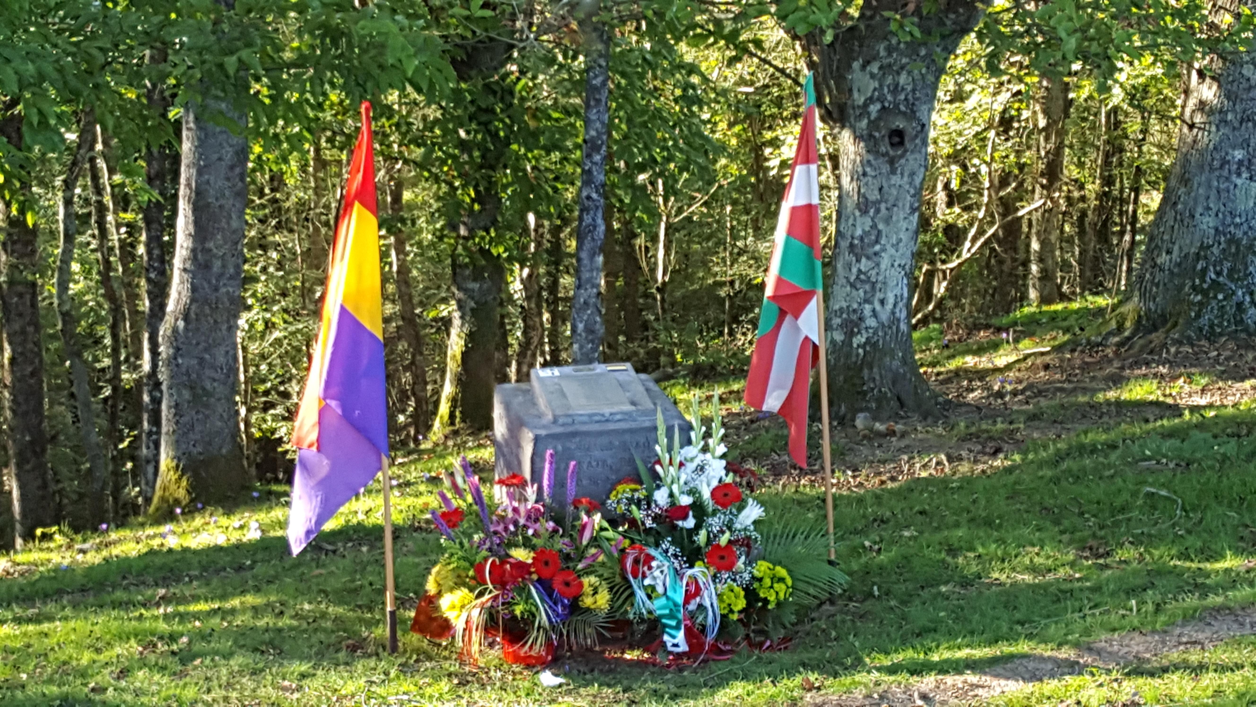 Acto de homenaje a los fusilados en Pikoketa