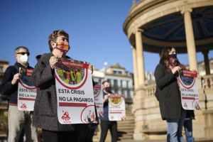 Presentada en Navarra la Campaña del PCE-EPK «Esta crisis no la pagamos»