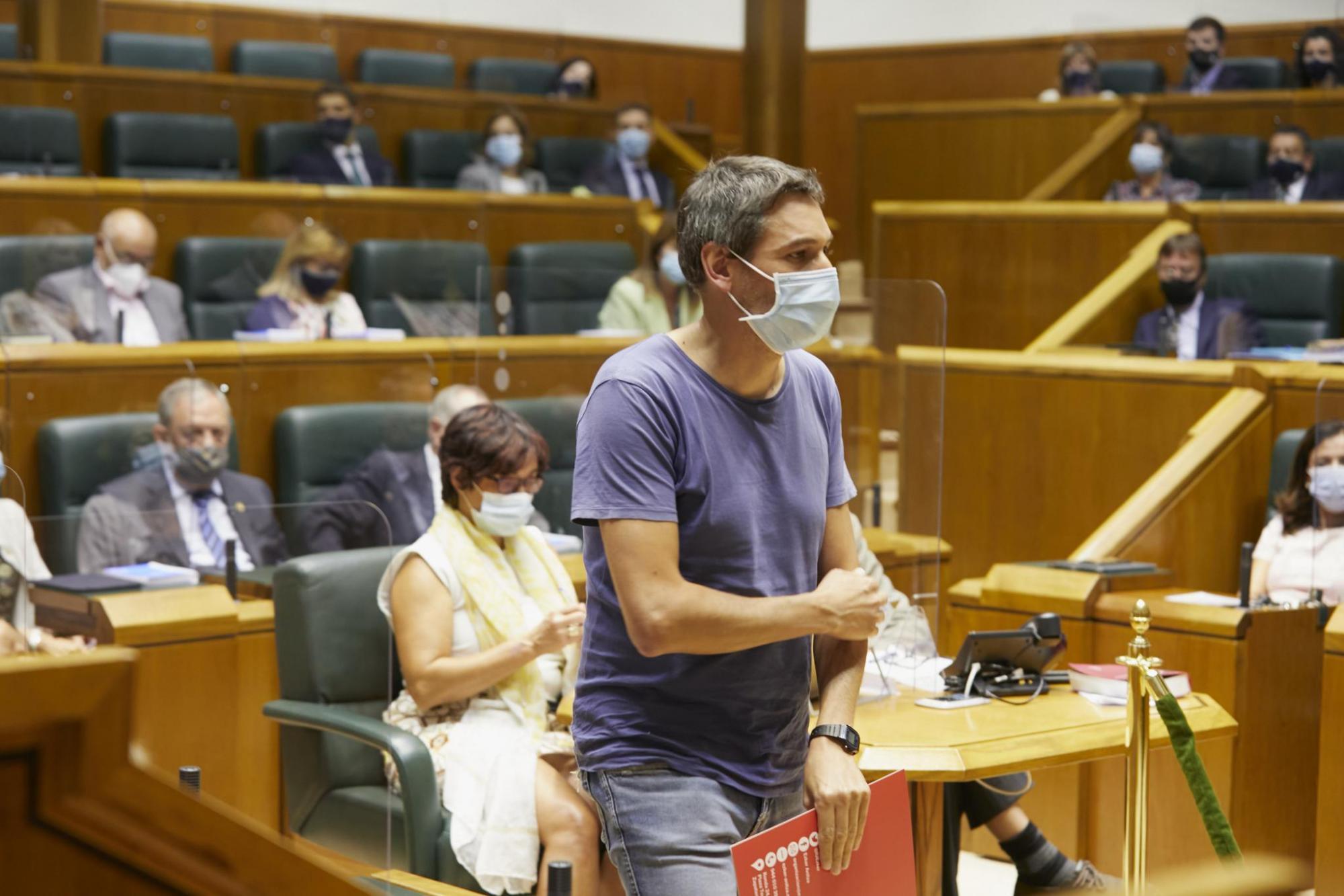 El Parlamento aprobó a iniciativa de #ElkarrekinPodemosIU una Proposición No de Ley para que el empleo digno sea prioritario en los diseños de políticas de empleo.