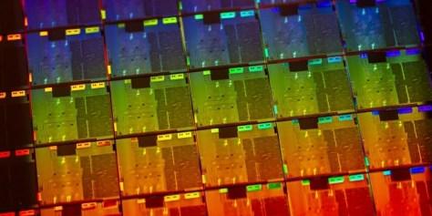 Intel Core i9-10900K laut Intel bis zu 30 Prozent schneller als Core i9-9900K