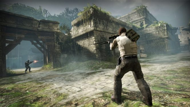 Flanking an enemy in CS:GO, one of the best sniper games