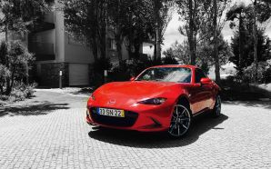 Mazda RED - Photoshop Color Splash