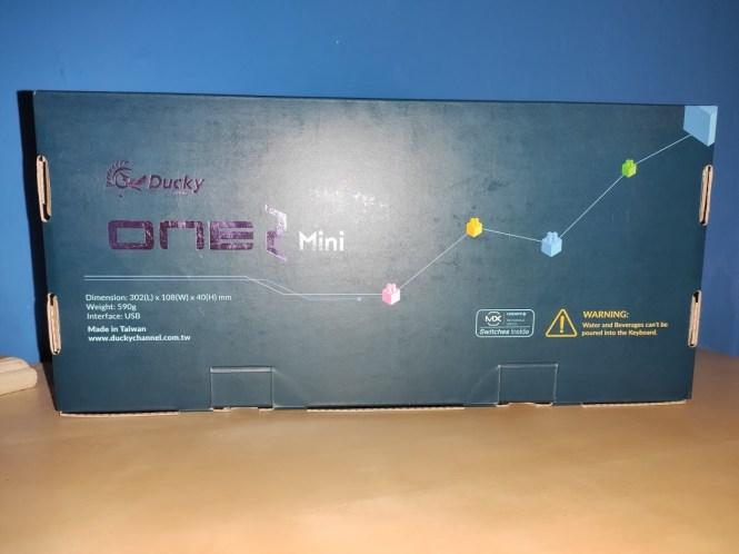 Ducky One 2 Mini RGB Análisis - Caja (2)