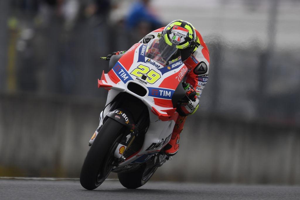 Andrea Iannone durante los entrenamientos libres del Gran Premio de Italia en Mugello