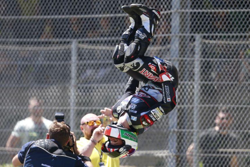 Johan Zarco celebra su victoria en el Gran Premio de Italia