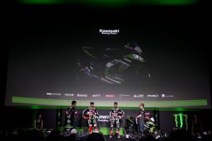 hi_Kawasaki Racing Team2017Team Launch_GB41133A