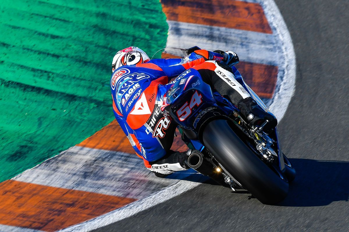 Mattia Pasini durante la tercera jornada de los test de Moto2 en el Circuit de Valencia
