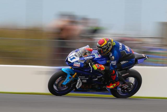 Sandro Cortese durante la carrera de Supersport en Phillip Island