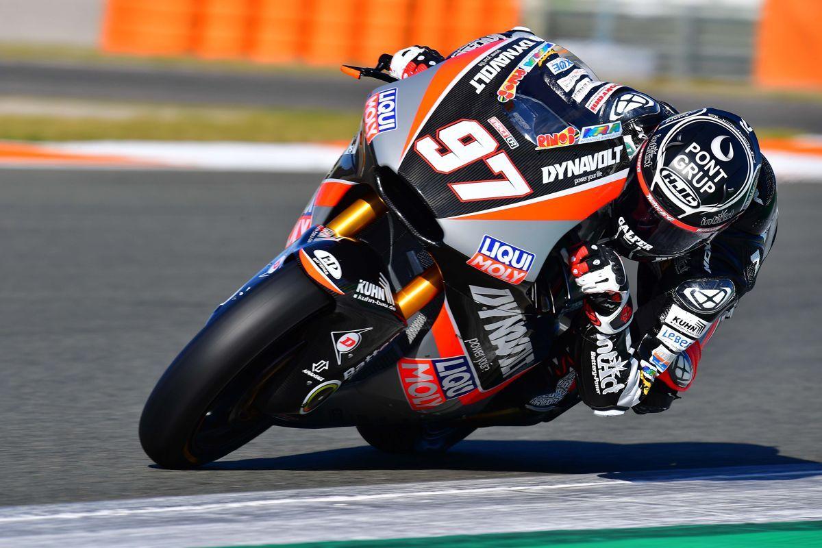 Xavi Vierge durante la tercera jornada de los test de Moto2 en Valencia