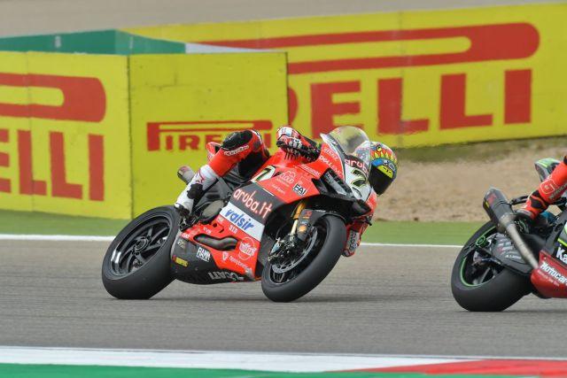 Chaz Davis durante la carrera de Superbike en Motorland Aragón