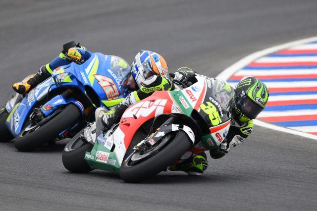 Cal Crutchlow y Álex Rins durante el Gran Premio de Argentina de MotoGp