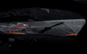 PC2_SCRNSHT_McLaren_650S_GT3_Mercedes_AMG_GT3-Fuji_Speedway