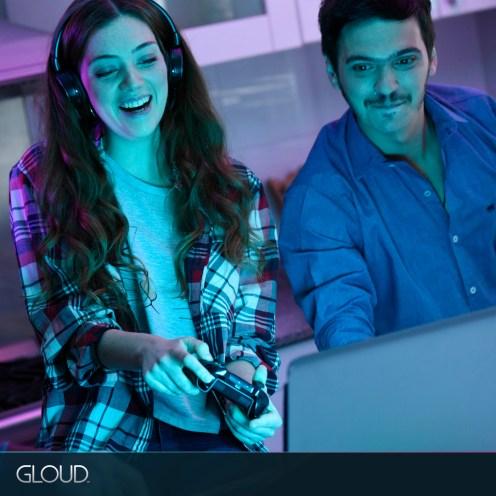 amigos-adolescentes-gamepad-pc2_Facebook_1080x1080-_Agregar-zocalo-GLOUD