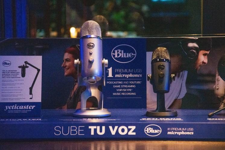 Blue Microphones - display productos