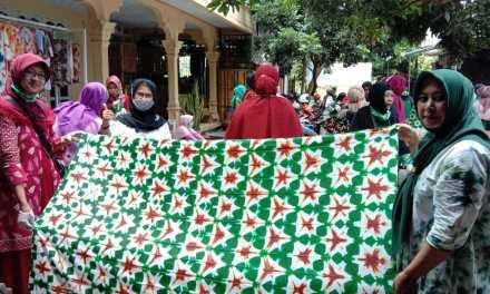 Disperindag Kabupaten Tulungagung Gandeng Muslimat NU Karangrejo Pelatihan Membatik Shibori