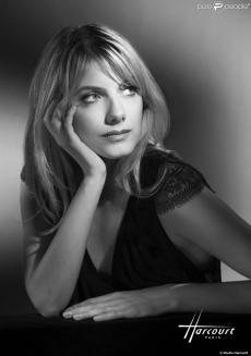 40 - Harcourt - Melanie Laurent