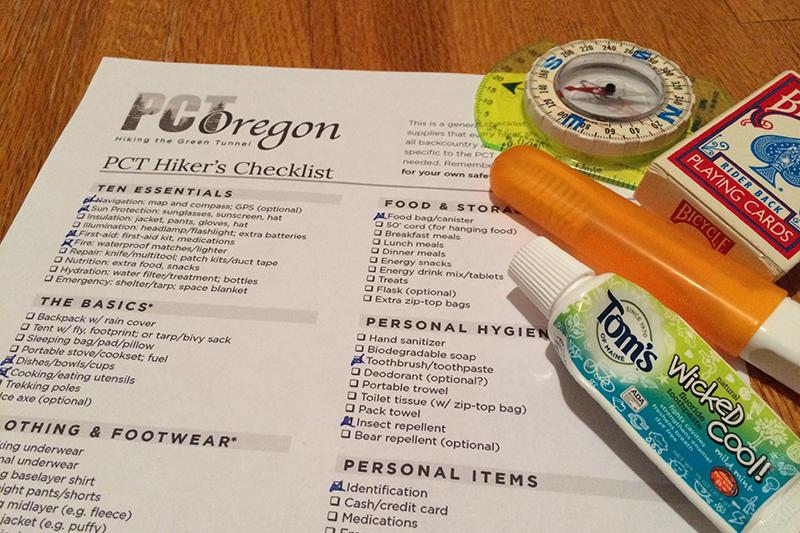 hiker-hiking-checklist-gear-pctoregon.com