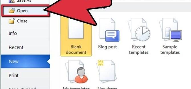 In questa immagine è presente un documento word con una freccia rossa