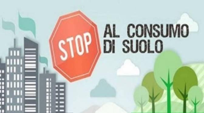 Territorio: con la nuova legge regionale si rischia una colata di cemento nelle campagne lombarde