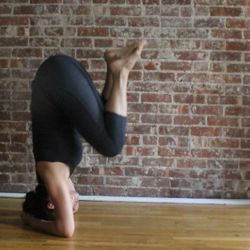 Yoga for Acne | headstand
