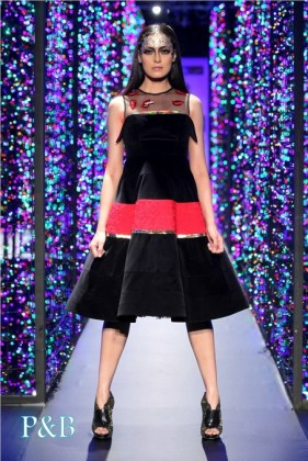 delhi-couture-week-2012-manish-arora6-001