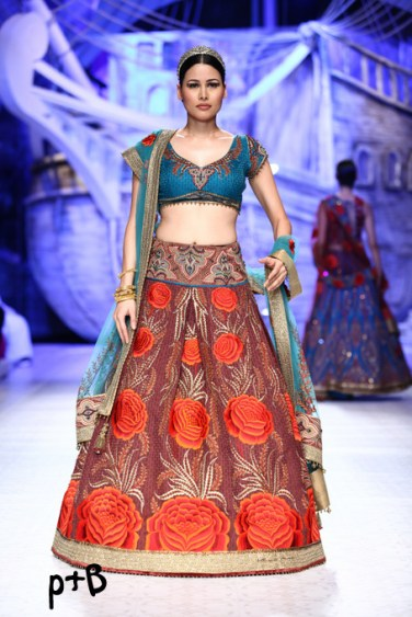 India-Bridal-Fashion_Week-2013-Bridal-Lehenga-JJ Vallaya (10)