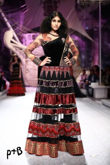 India-Bridal-Fashion_Week-2013-Bridal-Lehenga-JJ Vallaya (13)