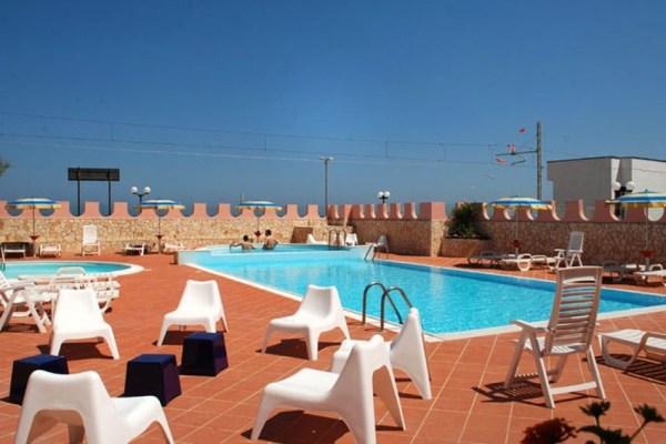 Family Hotel Fabilia-Family-Resort-Gargano-piscina