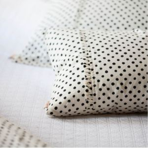 How to Shop for Custom Pillows Online