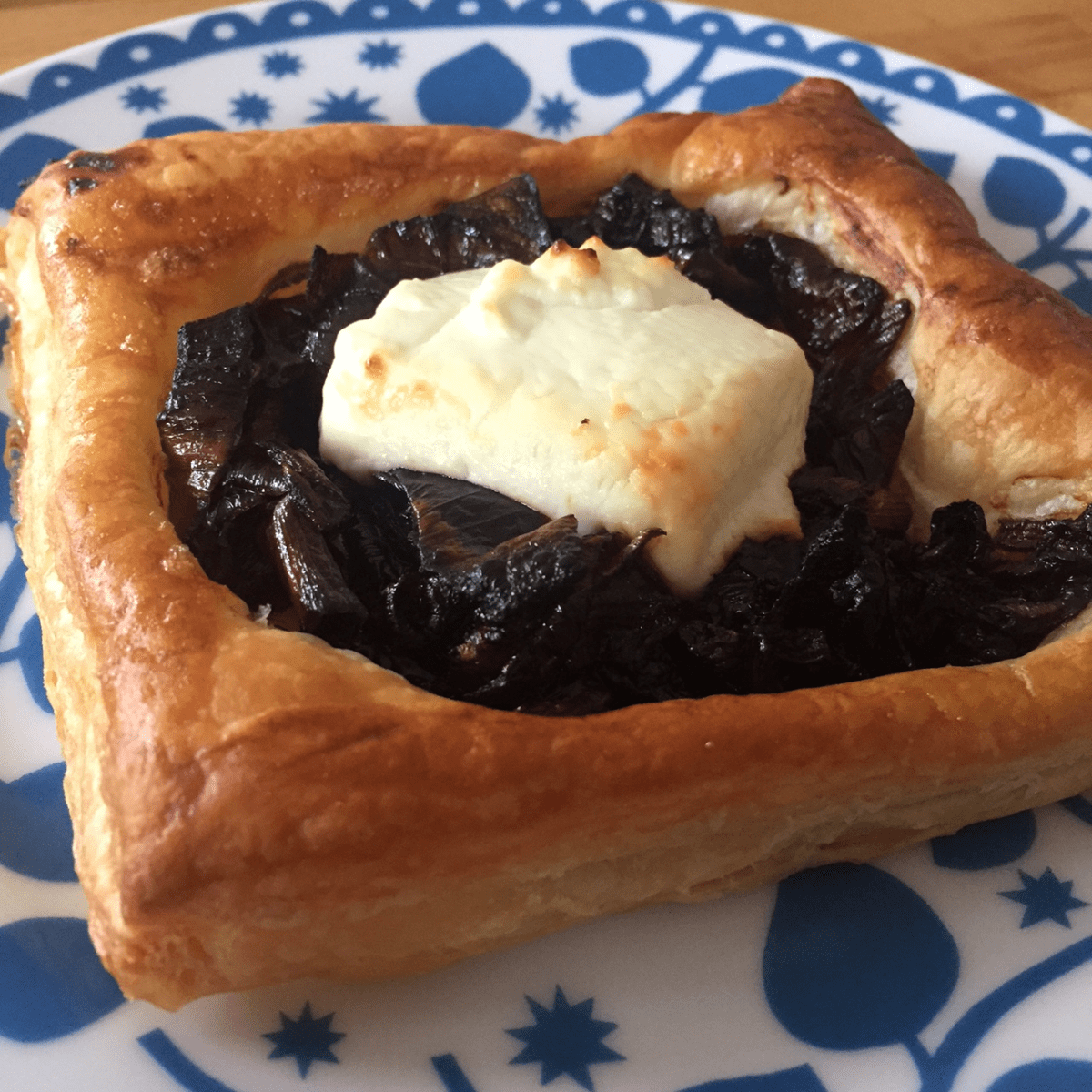 Easy caramelised red onion and goats cheese tarts