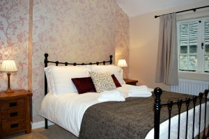 Joiners Cottage - Double bedroom