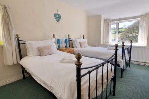 Cornerstones Cottage Tideswell, Twin Bedroom