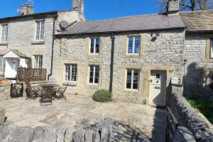 Tudor Cottage, Foolow - Available from Peak Holidays