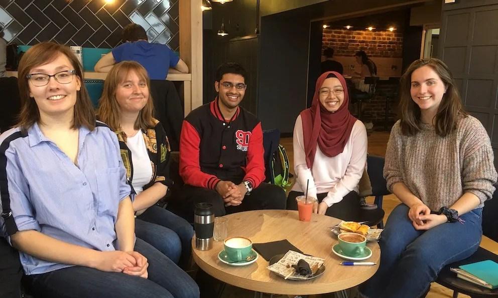 5 students meet to advise us on marketing