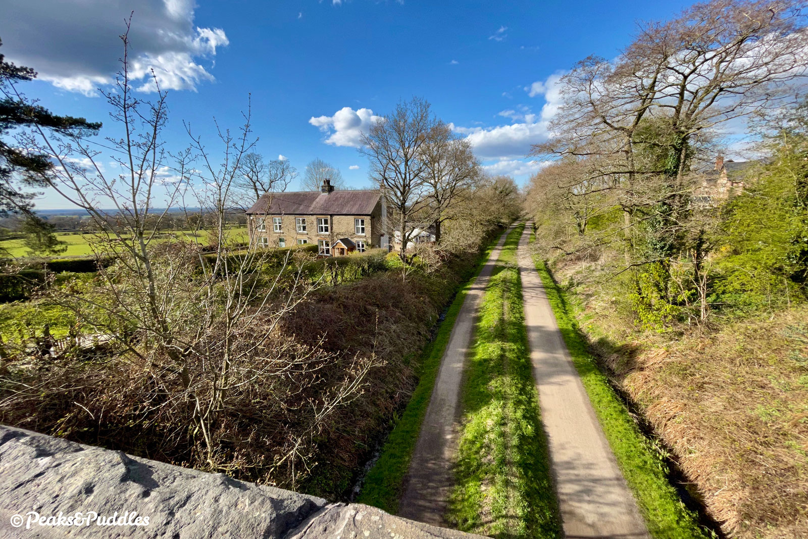 From Holehouse Lane above Middlewood Way, you can appreciate how the trail cuts across a ridge parallel with the edge of the Peak District and the Cheshire plain.