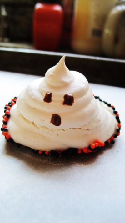 pretzels, pumpkin bread, cupcakes, ghosts 045
