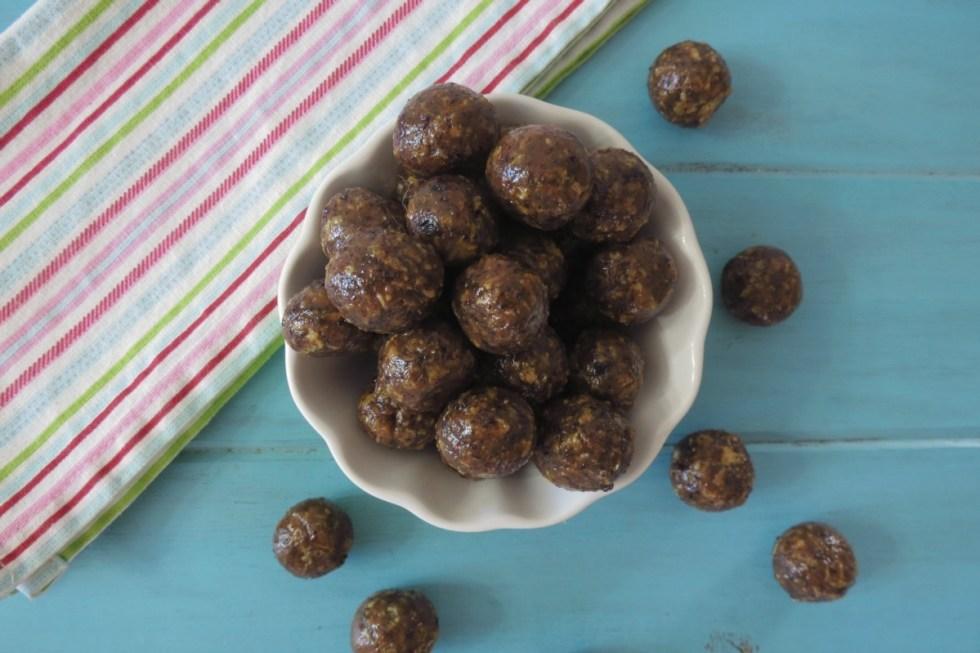 Almond Raisin Cornflake Balls