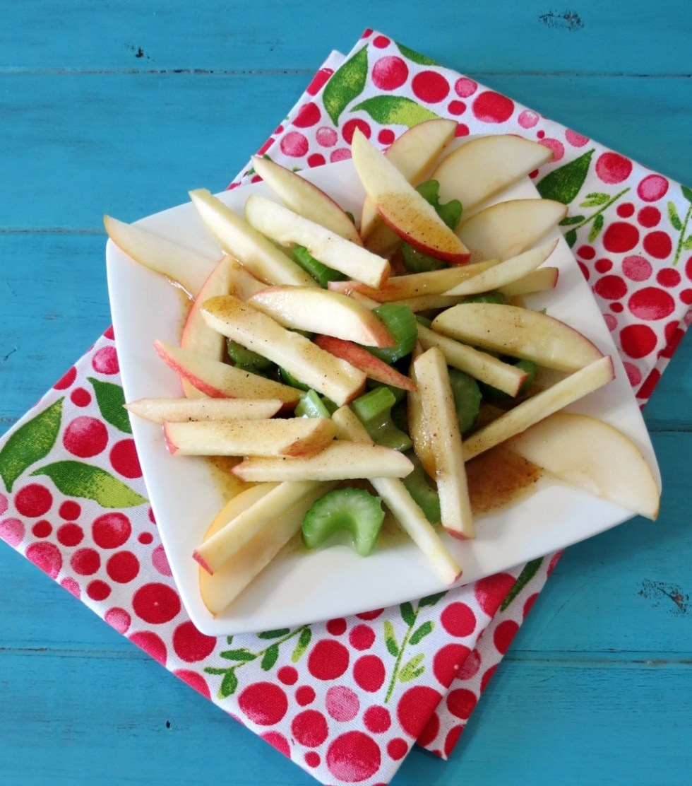 Crunchy Apple Cinnamon and Pear Salad with Truvía® Natural Sweetener