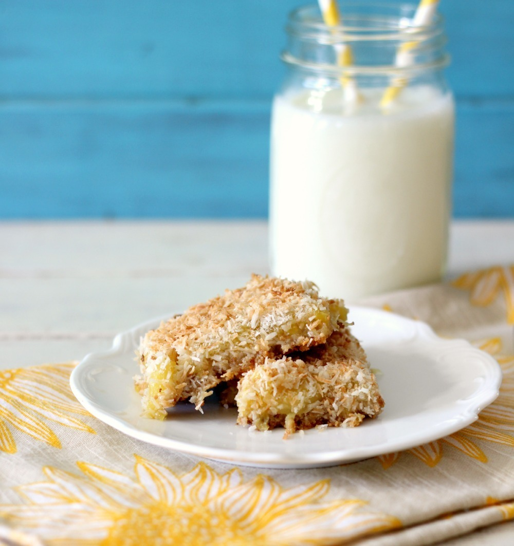 Pineapple Coconut Bars | Peanut Butter and Peppers
