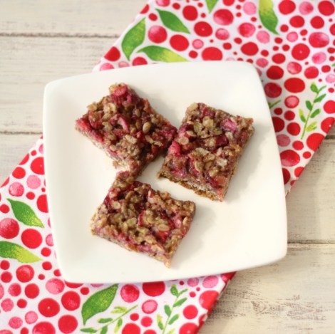Strawberry-Rhubarb Crisp Bars (vegan, gluten-free)