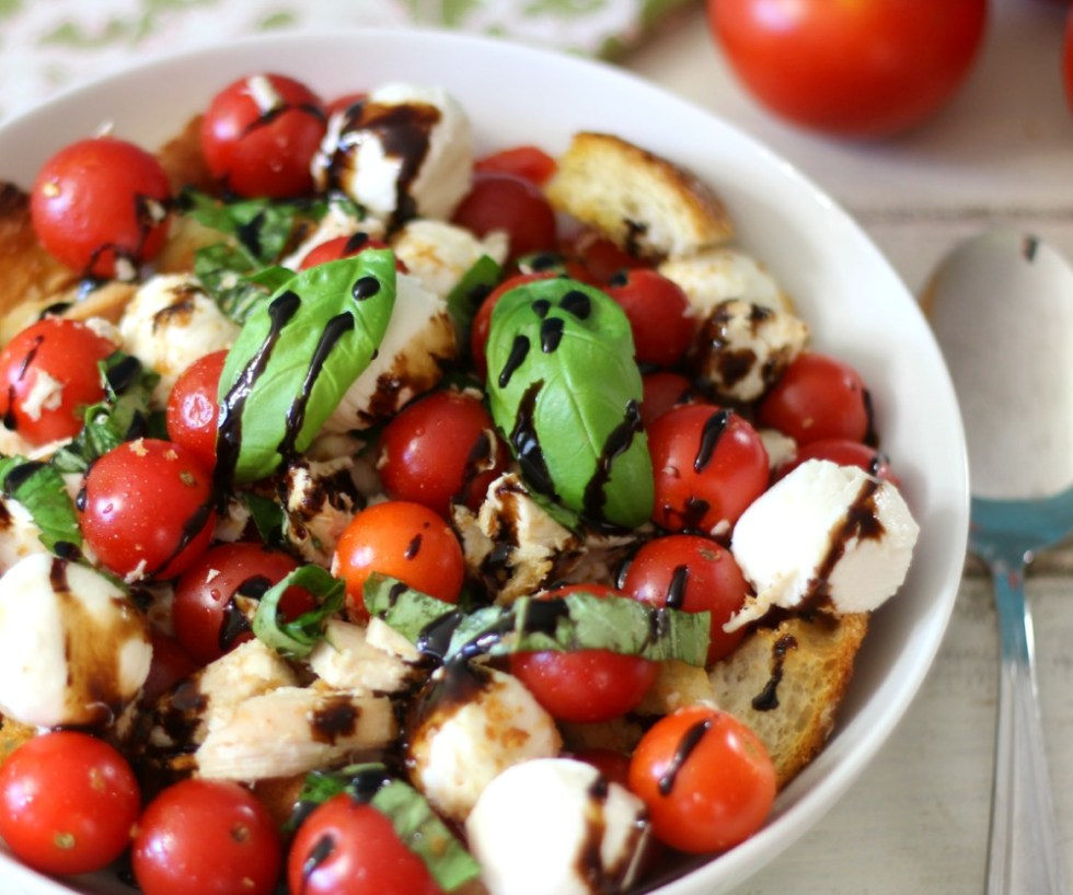 Caprese Chicken Panzanella Salad