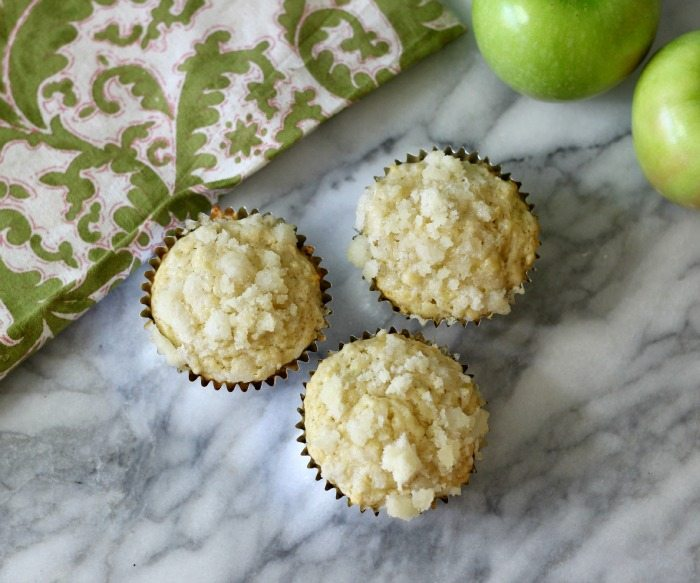 Apple Muffins with Streusel Topping