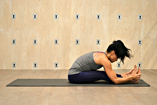 A yoga flow to support digestive health and to promote relaxation.